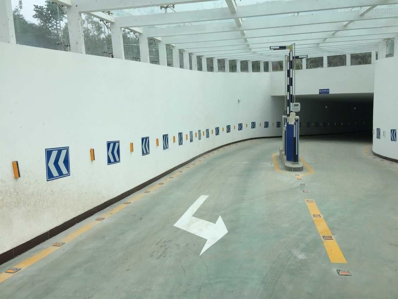 兰州环氧地坪漆停车场划线标线多少钱